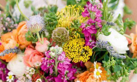 Vadvirágos menyasszonyi virágcsokrot szeretnél? Ezeket nézd meg!